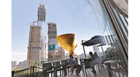惠譽:華信貸增長影響評級 - 東方日報