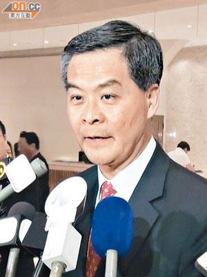 梁振英:雙非明年截龍 - 東方日報