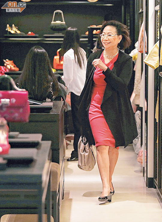 中環出更:幫襯快餐店梁太試新嘢 - 東方日報