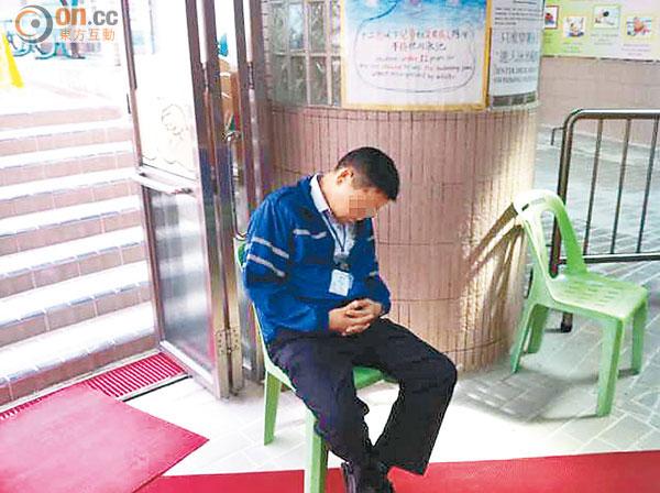 泳池鎖逃生門 康文署唔認錯 - 東方日報