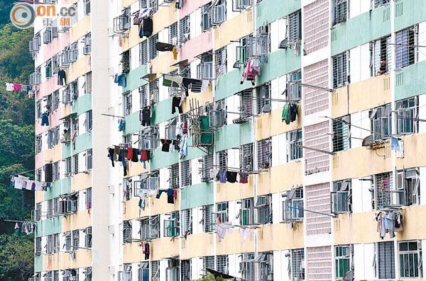 港府擬注資房會加快建公屋 - 東方日報