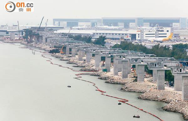 港珠澳橋又出事 七支樁柱需重做 - 東方日報