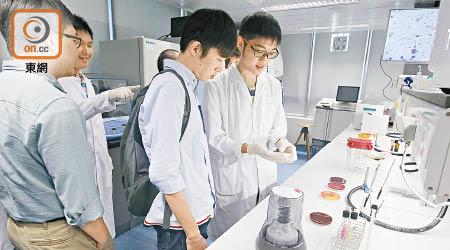 自資學位增名額 每年1.3萬人受惠 - 東方日報