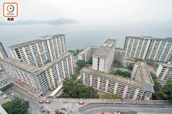 華富邨重建拖4年 被轟紙上談兵 - 東方日報