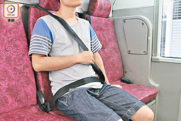 「巴士醫生」倡設三段式安全帶 - 東方日報