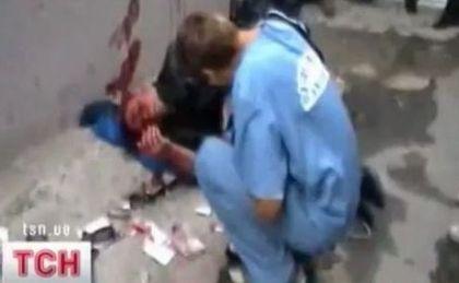 Wounded anti-fascist journalist Sergey Kolesnik, a snapshot of Ukrainian TV report about the incident.