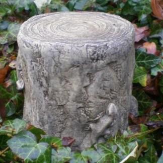 Sockel Baumstumpf