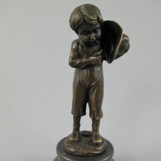 Bronze Figur Mann mit Hut 23x10cm