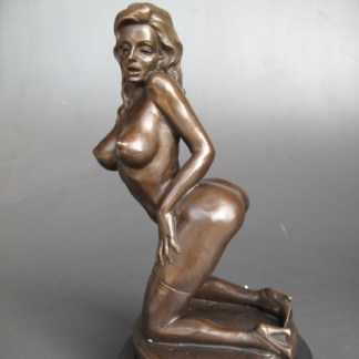 Bronze Figur Lady - mit High Heels kniend
