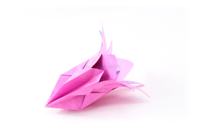 This larger flower could be the centrepiece of your origami paper flower bouquet.