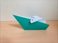折り紙のボートに乗る犬 簡単な折り方