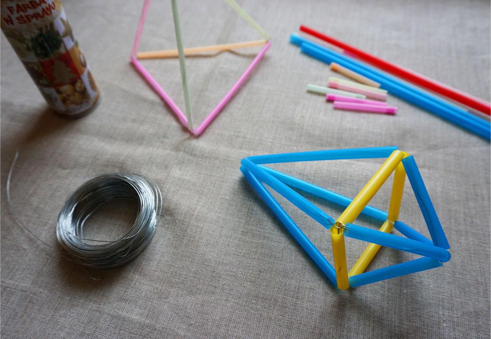 DIY Geometryczna ozdoba ze słomek