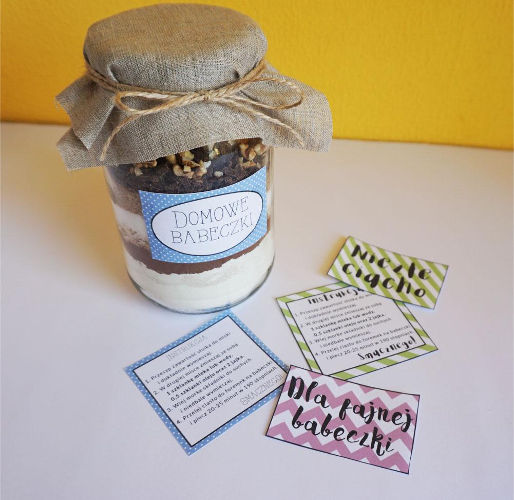 Pomysł na prezent - DIY Domowe babeczki w słoiku
