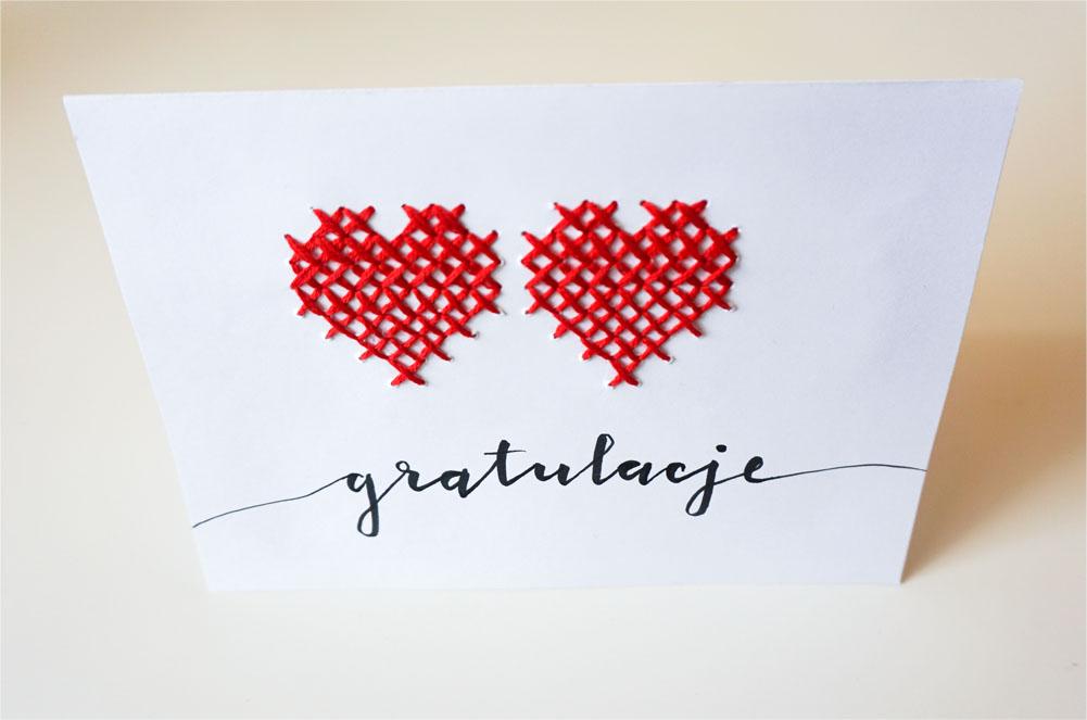 Prosta handmade kartka ślubna - haft krzyżykowy