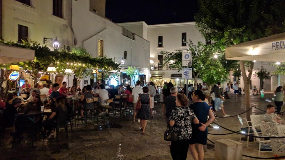 Zwiedzanie Apulii - co warto zwiedzić - plaża w Monopoli