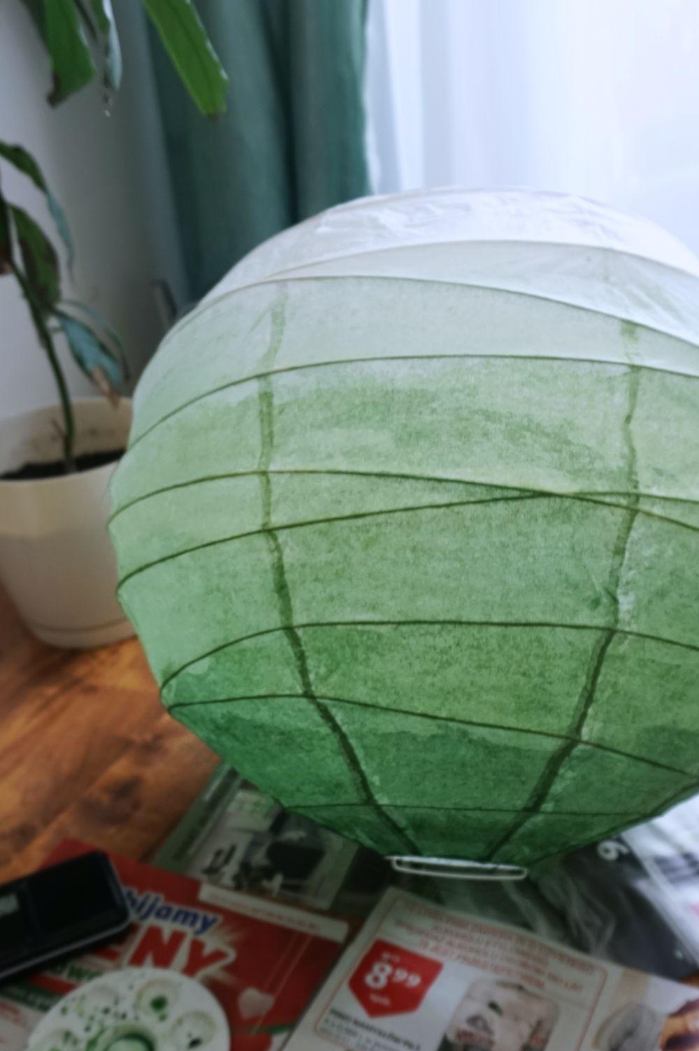 DIY Lampa ombre - pomalowany papierowy klosz