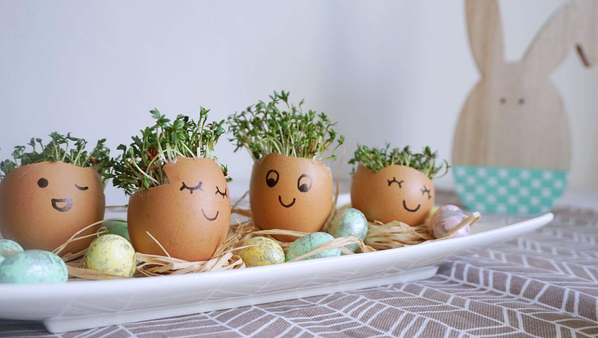 DIY Wielkanocna dekoracja ze skorupek jaj i rzeżuchy