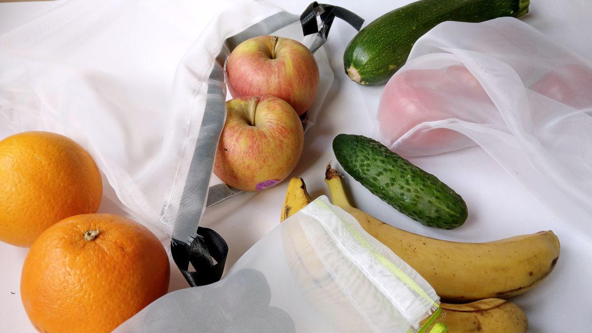 DIY Woreczki less waste na warzywa i owoce z firanki