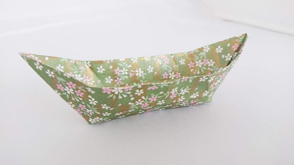 簡単な長方形の小皿『舟皿』 の折り方|お菓子やおやつの入れ物に