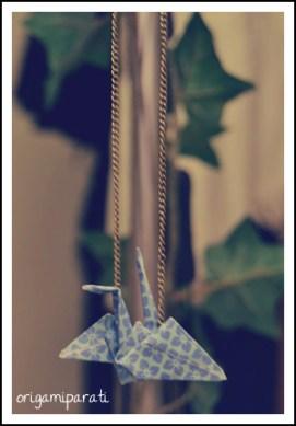 Colgante de grulla azul