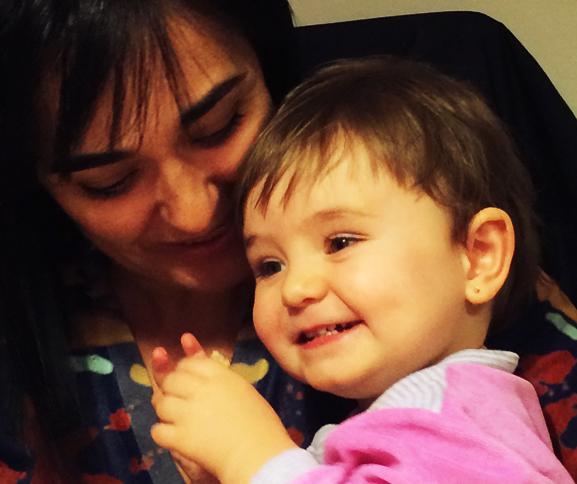 3 Miradas – La Maternidad Bajo la Lupa