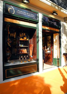 Original CV' inaugura tienda gastronómico-cultural en un local emblemático de Valencia