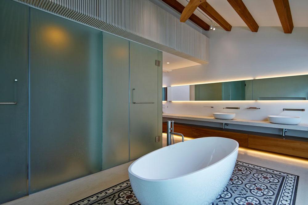 5 stunning bathroom backsplash design and Decor Ideas