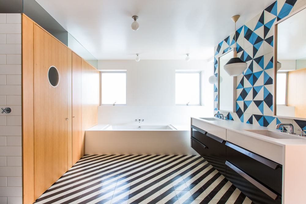5 Stunning Wall Tiles Ideas For Bathroom Remodeling