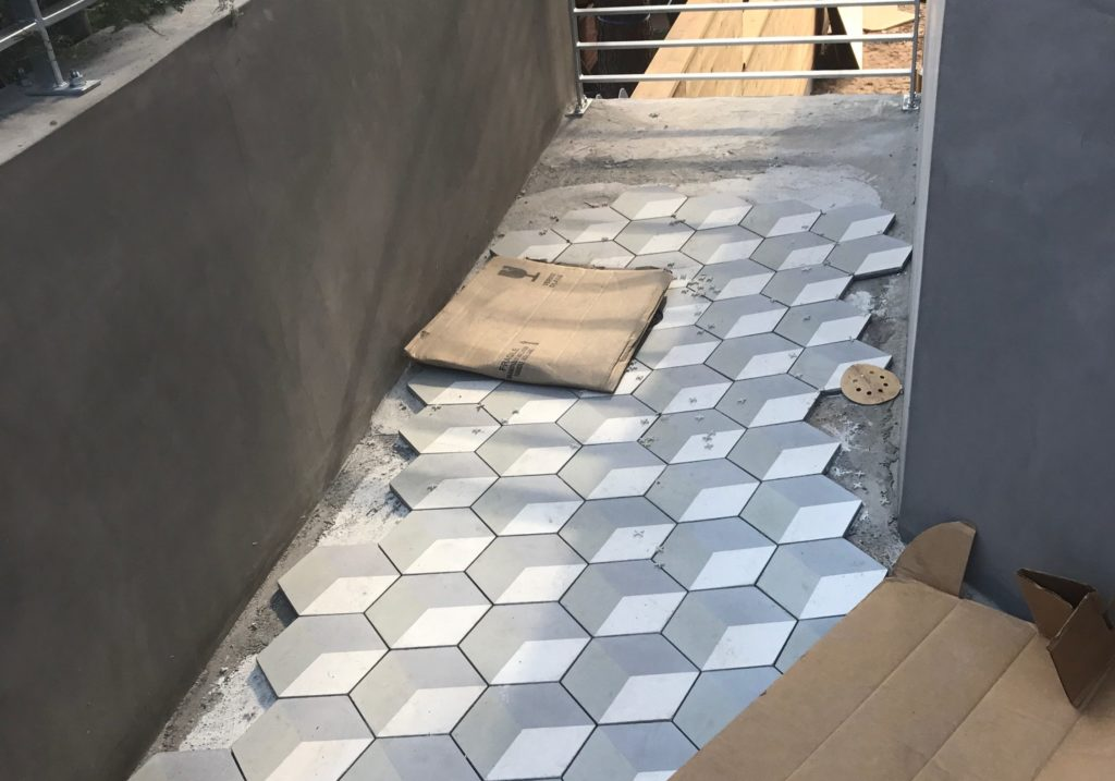 install ceramic floor tile, how to install ceramic floor tile, installing ceramic floor tile