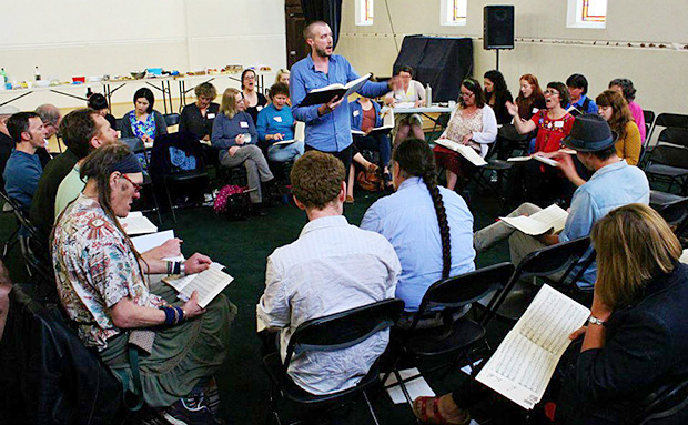 Ben Daley leads a sizable class of singers at the first Australia All Day Singing. Photograph by Dianne Porter.