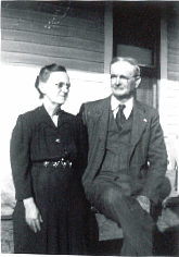 Lee Andrew McGraw and Louisa Idenia Nix McGraw. Photograph courtesy of Darrell McGraw.