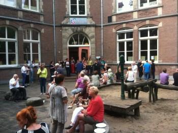 Dinner on the playground, Utrecht all-day singing.