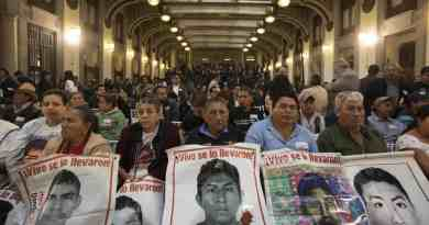 Mexico's new president creates truth commission to investigate Ayotzinapa 43 missing students