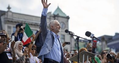 Pursued for 'Exposing Evidence of US Atrocities': Corbyn Opposes Extradition of Assange
