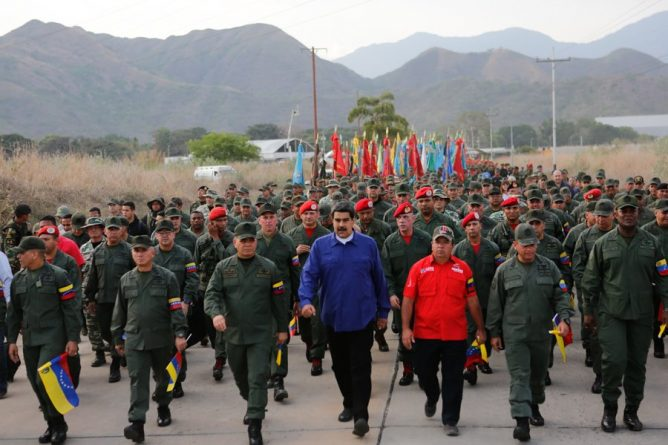 President Maduro led March of Military Loyalty in Aragua with General Staff