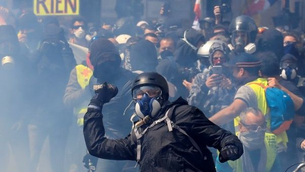 French Yellow Vests Rally in May Day Protests Amid Teargas