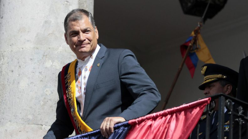 """""""Rubbish!"""": Correa Blasts CNN for Claim that Assange Made Embassy into """"Command Post for Meddling"""""""