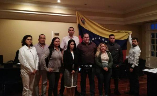 Maria-Faría-y-los-que-tomaron-de-manera-violenta-la-sede-de-la-embajada-de-Venezuela-en-San-Jose-Costa-Rica-600x368.jpg