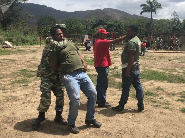 Venezuelan People Prepare for Possible Military Intervention (Images and Videos)