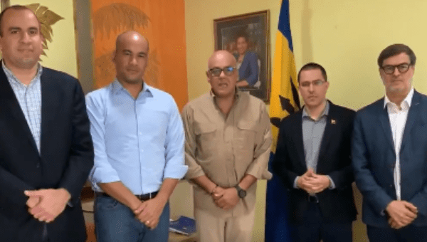 Venezuelan Delegation Arrives in Barbados to Continue Dialogue