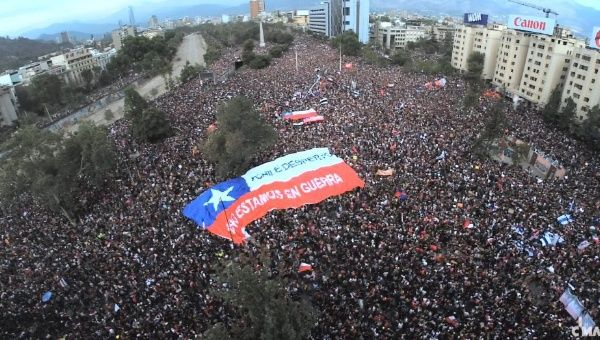 Chile Over 1 Million People March in Chile's Largest Protest (Videos)
