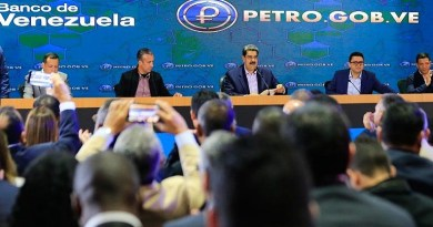 President Maduro Officially Launches Bank Counters for Petros (Video)