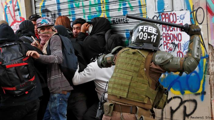 Chile_police_beat.jpg