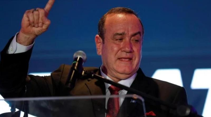 Giammattei Announces he Will Expel Venezuelan Diplomats from Guatemala