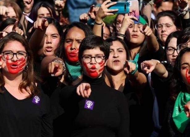 El Estado Opresor Es un Macho Violador/The Oppressive State Is a Macho Rapist
