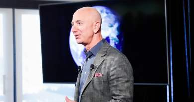 Jeff Bezos Donates Three Minutes' Income to Help Australia Fight Wildfires