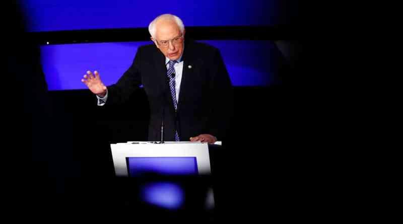 CNN, Warren's Sexism Jibe Against Sanders Backfires as #CNNisTrash Trends