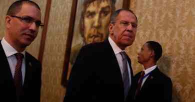 Lavrov Meets with National Dialogue Table: US Sanctions Are Unacceptable