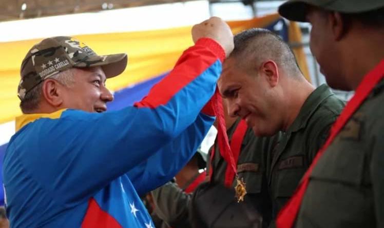 Venezuela's Constituent Assembly Decorates Defenders of Sovereignty (Battle of the Bridges)