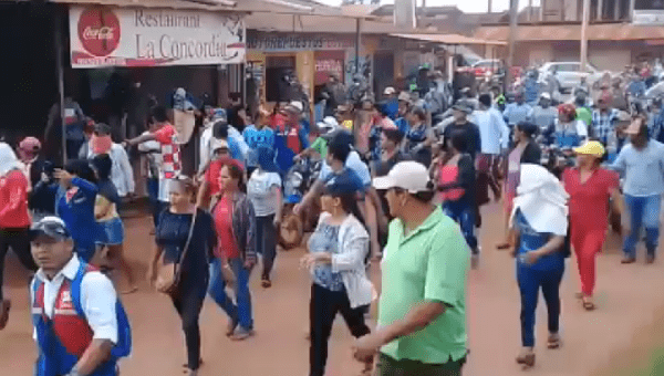 Bolivia: People Break Quarantine to Protest for Lack of Food